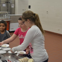Chili dinner brings Coshocton Elementary and community together
