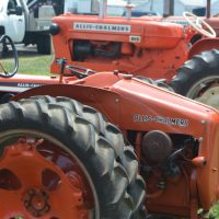 Tractor show features Allis Chalmers