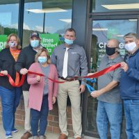 Cricket Wireless holds ribbon cutting