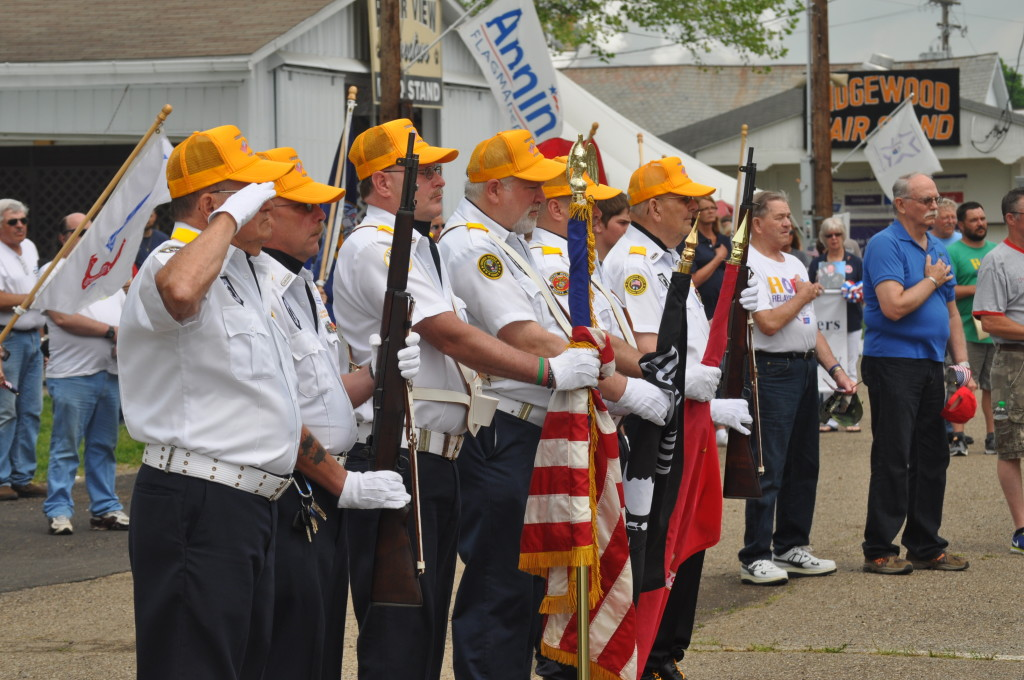 2015 Relay Armed Forces Walk04