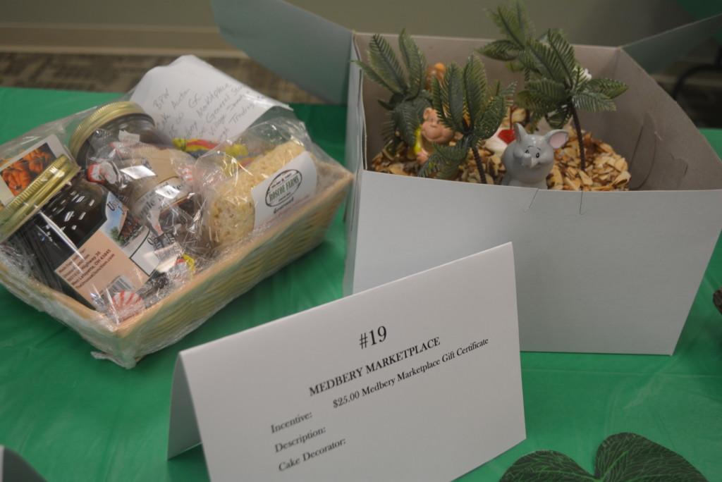 BPW Cake Auction 020