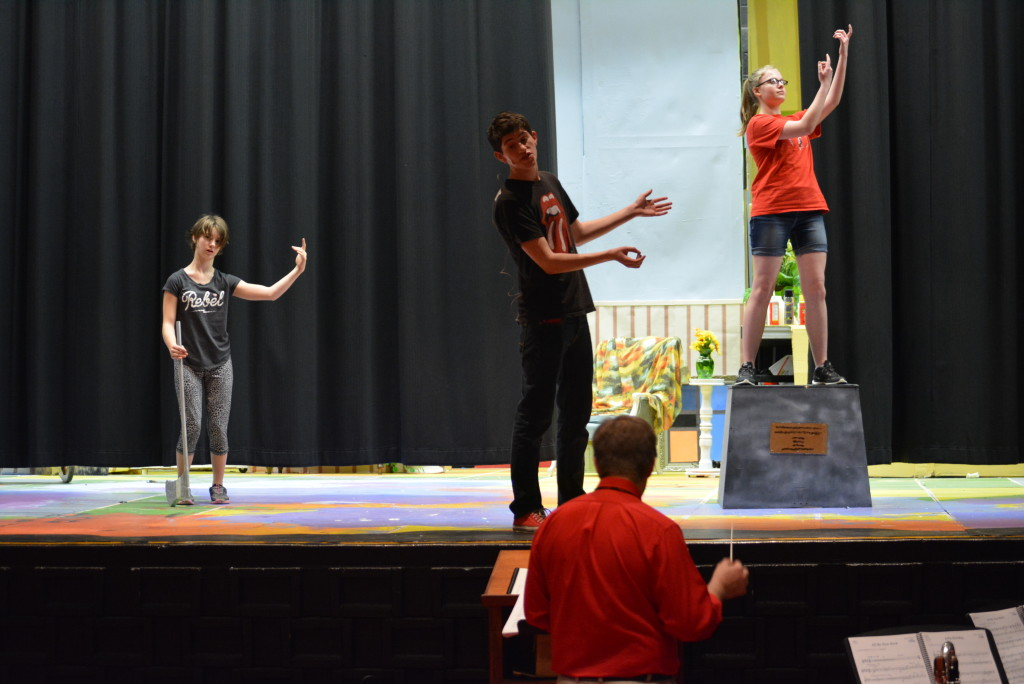 CHS performs 'Mary Poppins'02