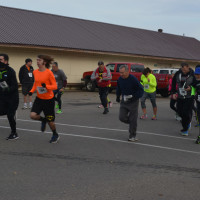 Runners and walkers support Habitat