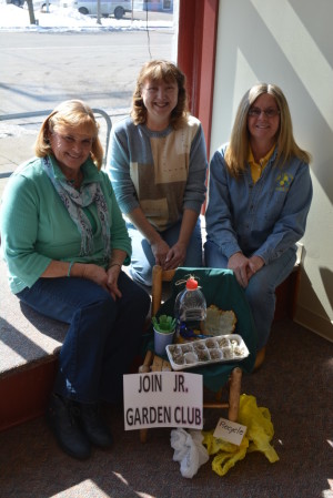 Organizers: Pictured from left are Sandy McCullough, Kathy Adams and Becky Alford. They are members of Town and Country Garden Club, which is working with The Ohio Association of Garden Clubs to start a Junior Garden Club. Beacon photo by Josie Sellers