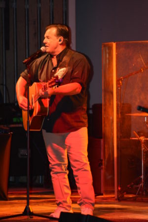 Sammy Kershaw performed in front of a packed grandstand Saturday, Oct. 1 at the Coshocton County Fair. Josie Sellers | Beacon
