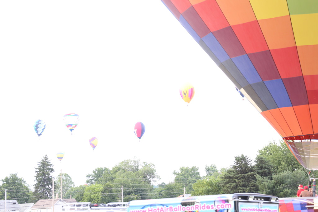 Friday hot air balloons97