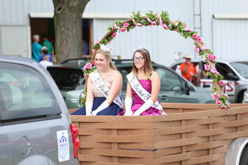 Hot air balloon queen parade04
