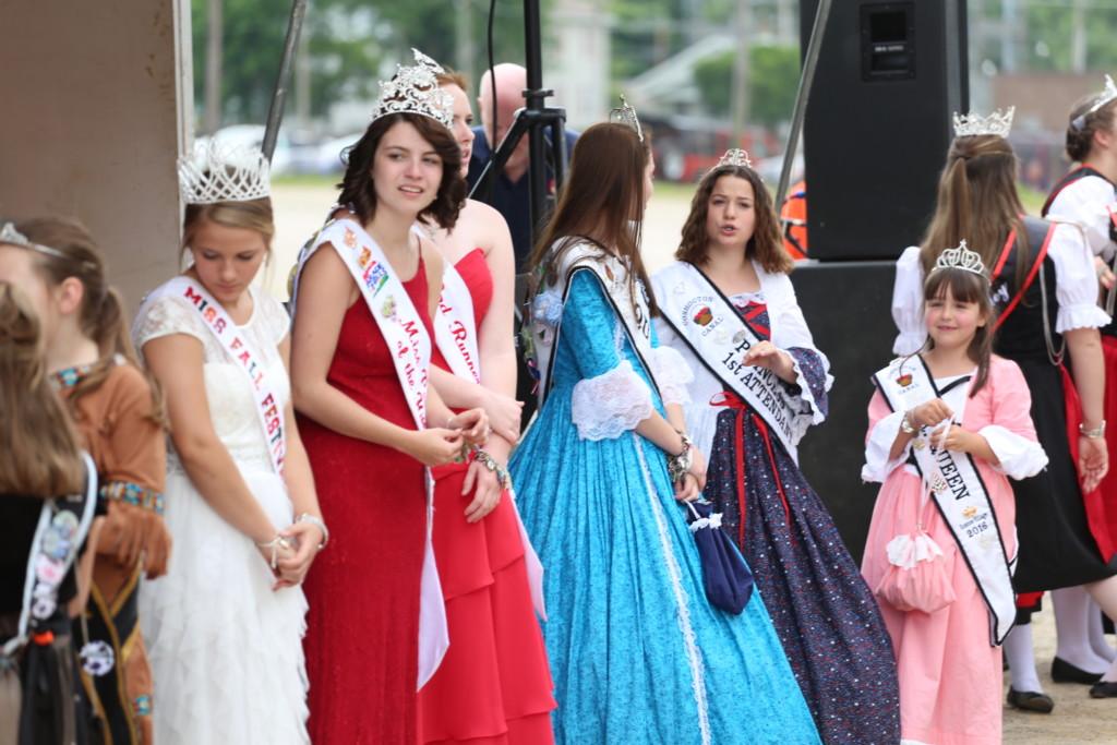 Hot air balloon queen parade17