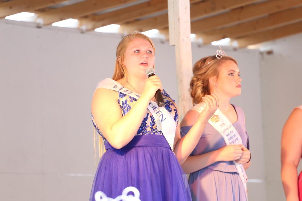 Hot air balloon queen parade22