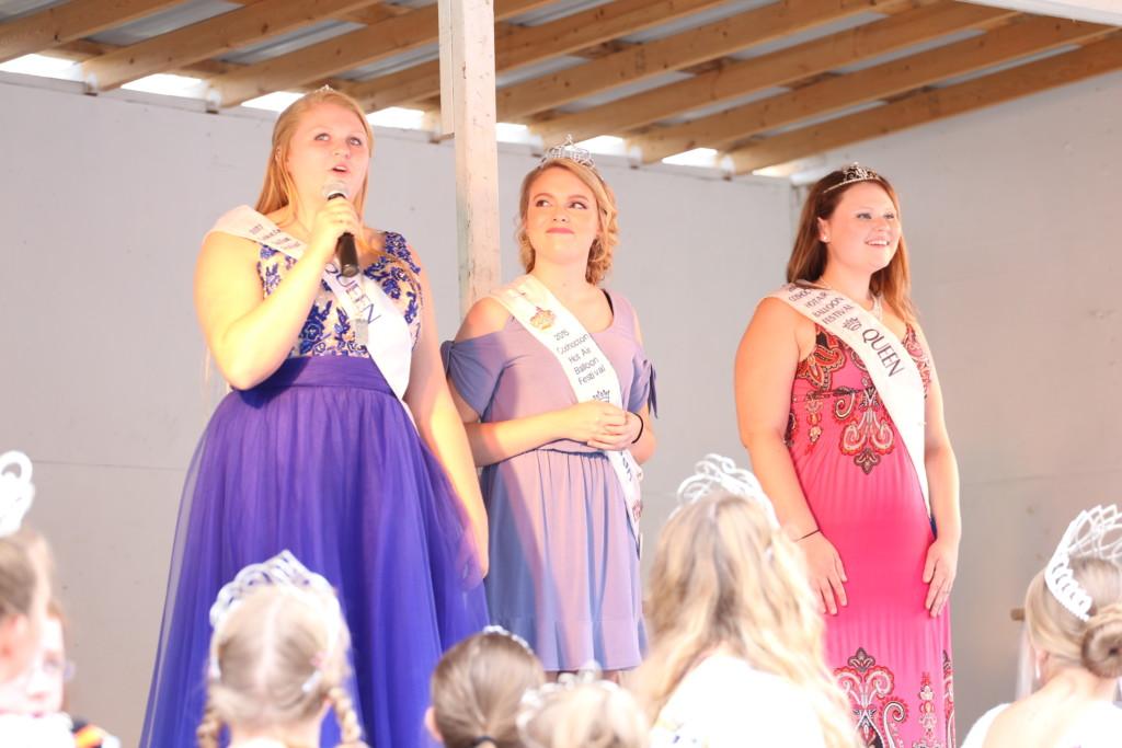 Hot air balloon queen parade23