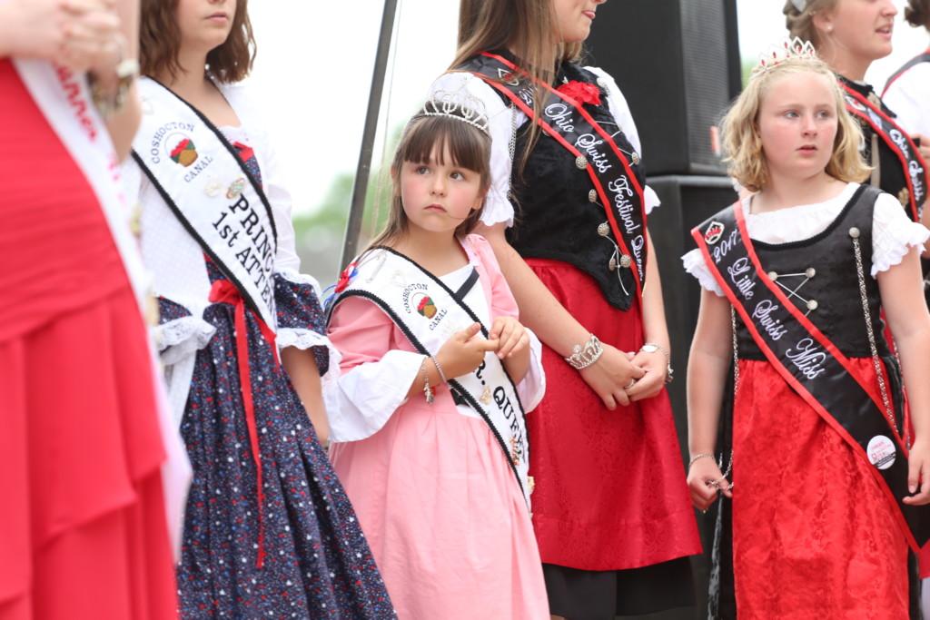 Hot air balloon queen parade32