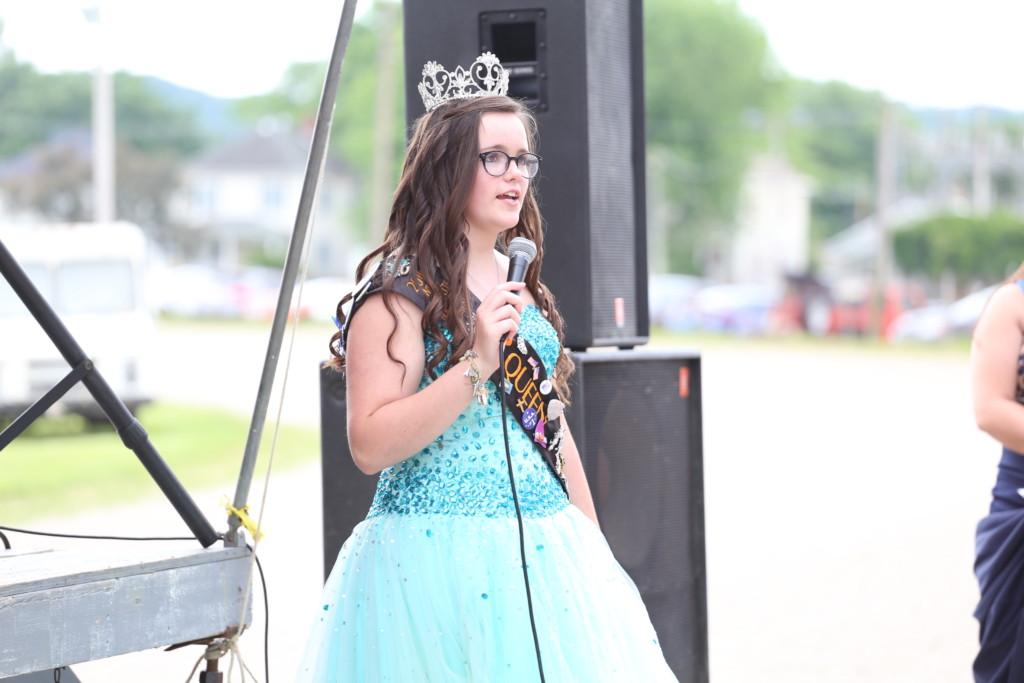 Hot air balloon queen parade48