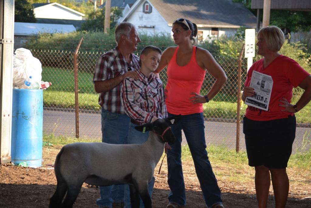 Junior Fair Livestock Auction11