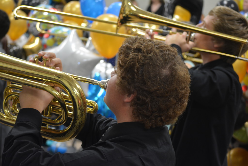 RVHS marching band balloon day30