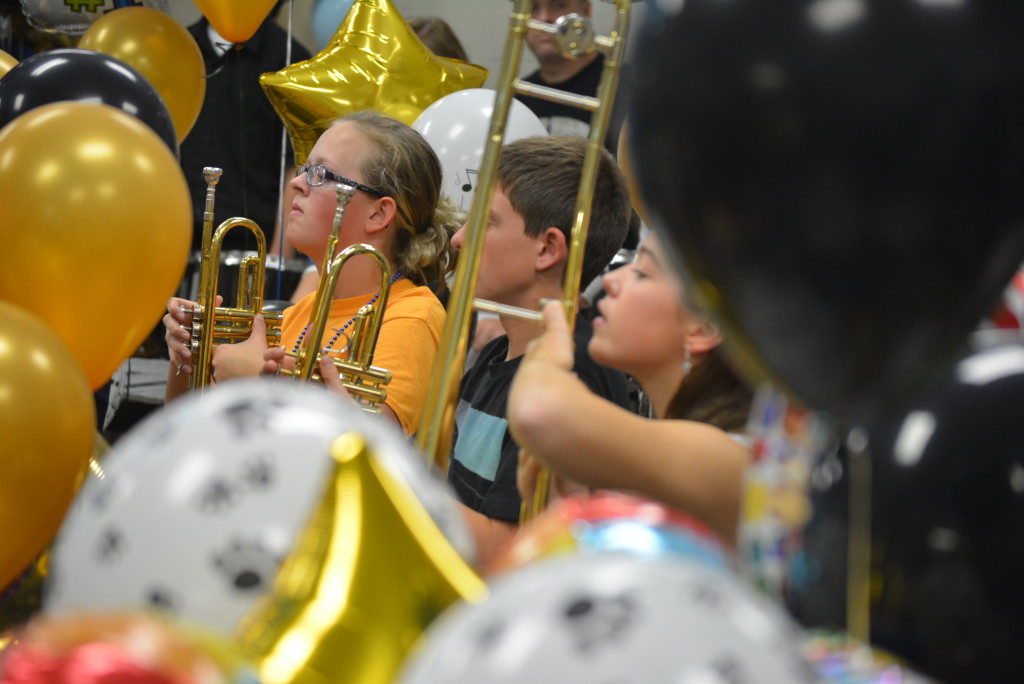 RVHS marching band balloon day34
