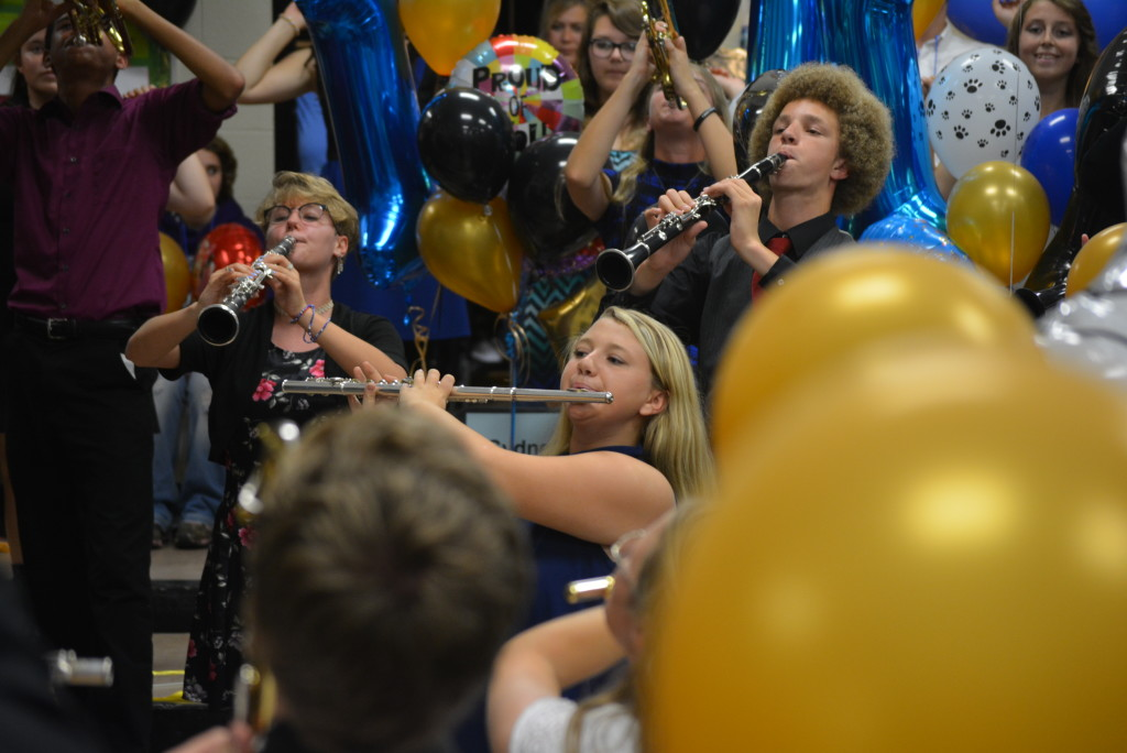 RVHS marching band balloon day36