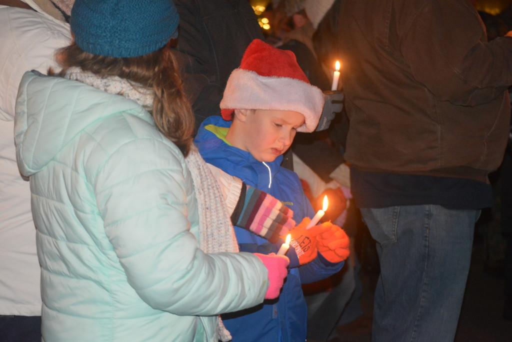 Roscoe Candlelighting24