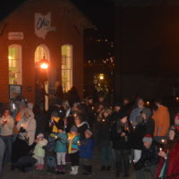 Roscoe Village Christmas Candlelighting goes virtual for 2020