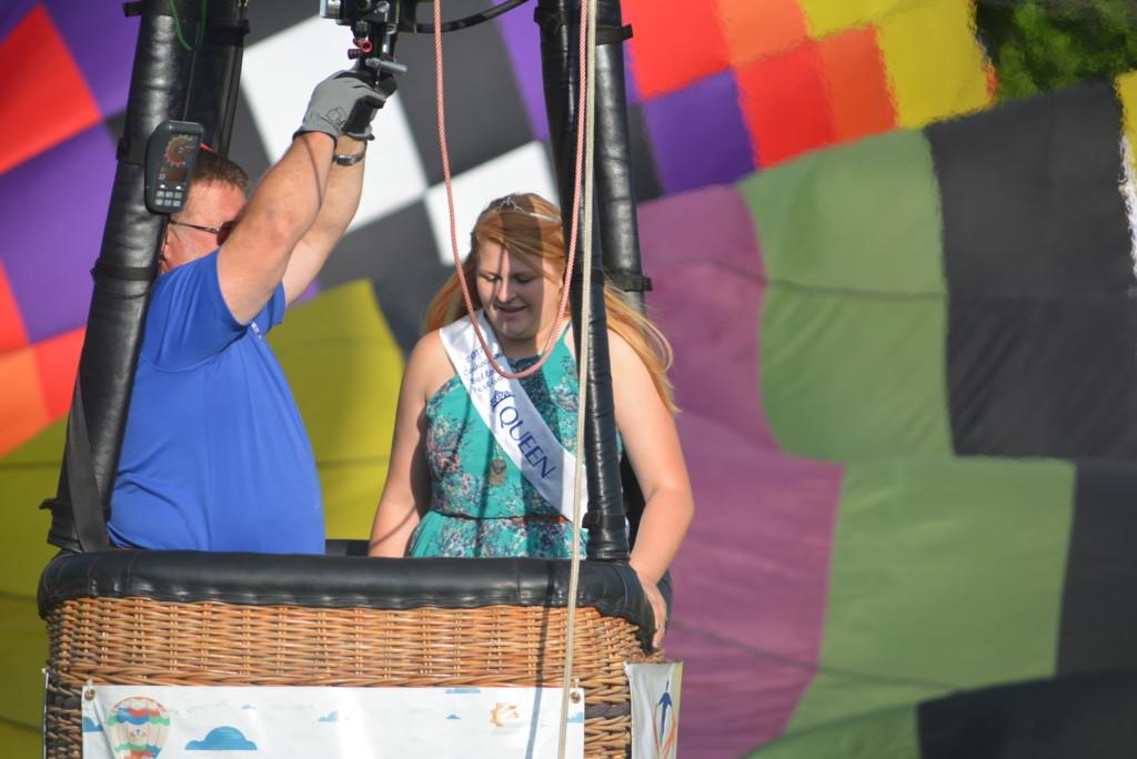 Tethered balloon rides34
