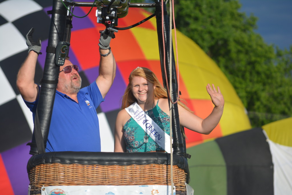 Tethered balloon rides35