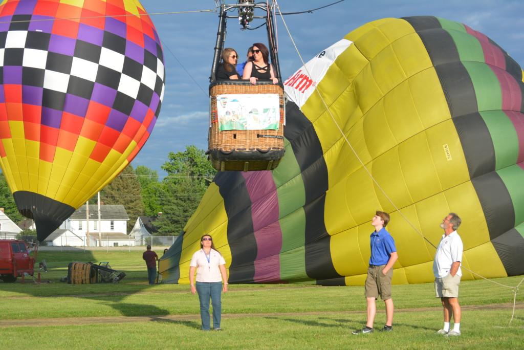 Tethered balloon rides41