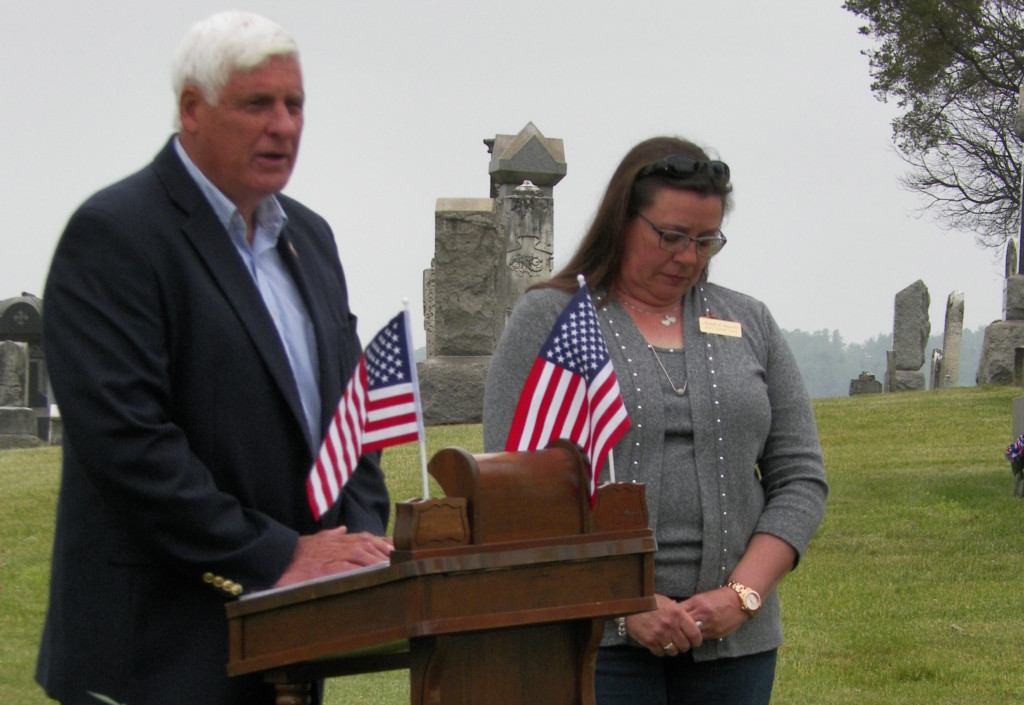 Waggoner Cemetery Memorial Service 03
