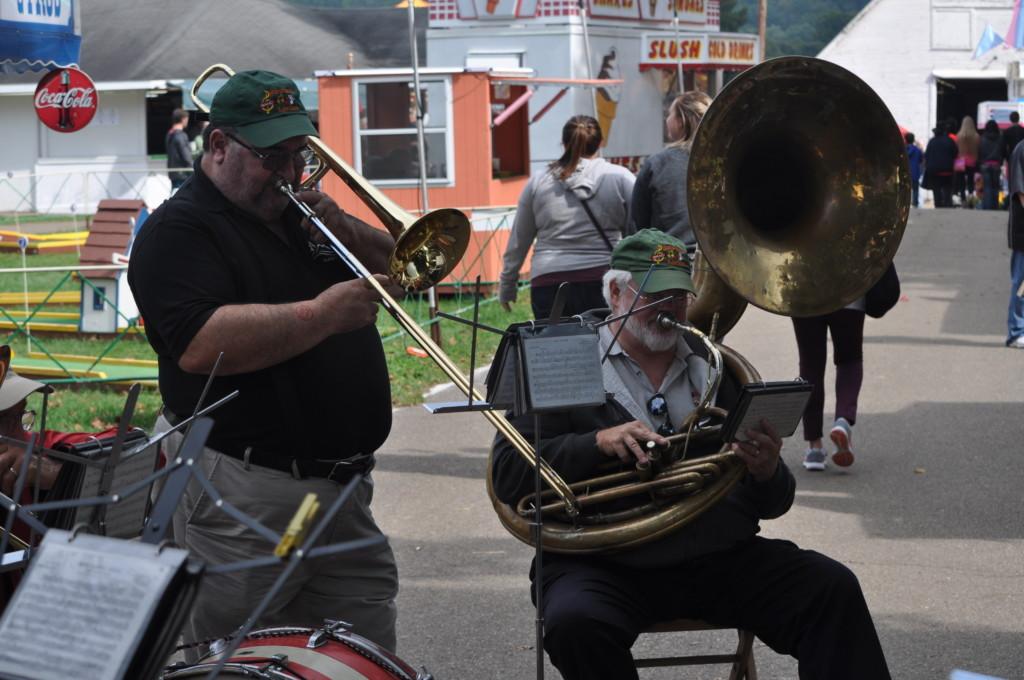 Walhonding Rube Band at the Fair05
