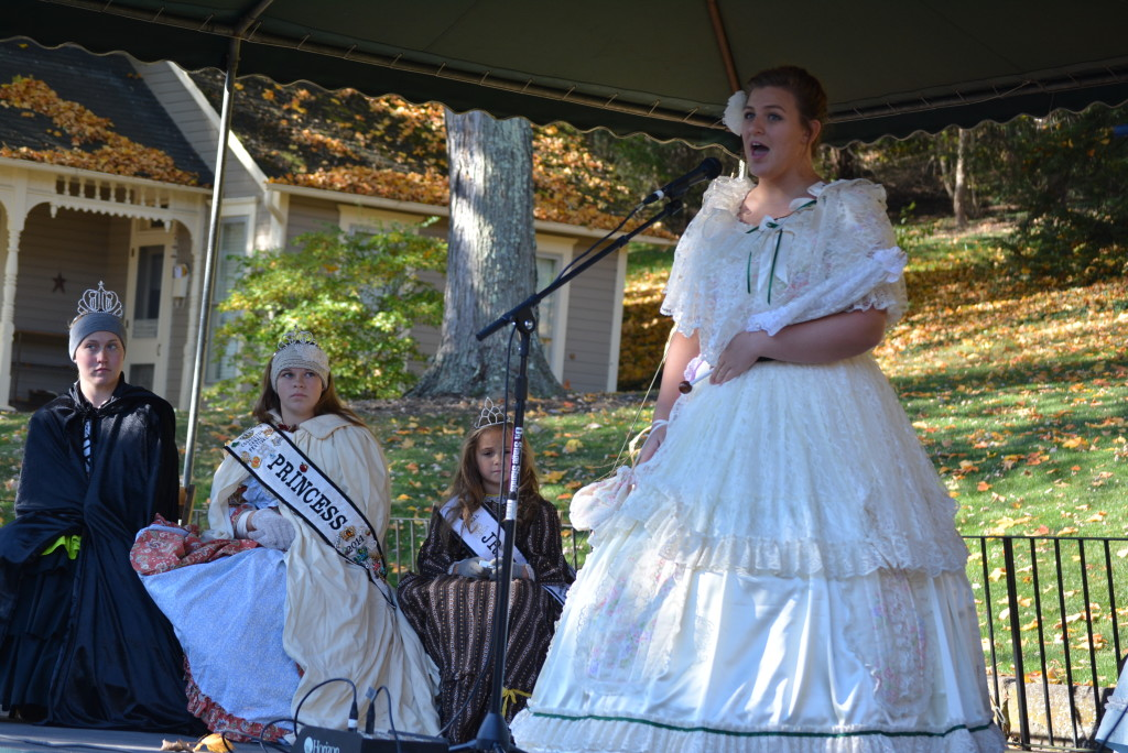 apple butter and queens26