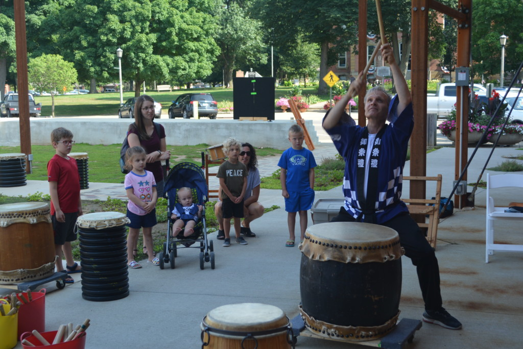drumming in the park02