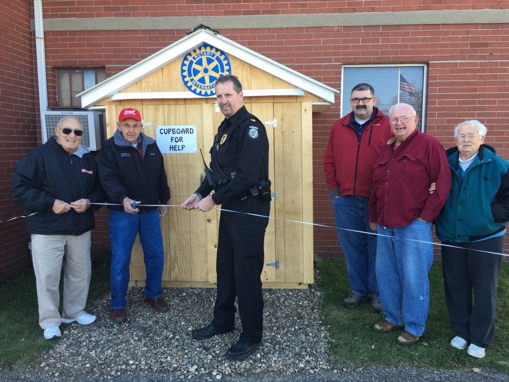 West Lafayette Rotary establishes food pantry : coshocton